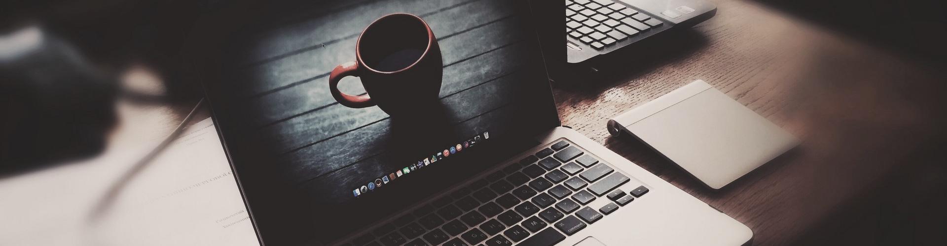 最新彩虹云任务挂机平台 V7.8商业破解版 QQ秒赞、秒评 开心版
